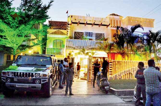 Harbhajan-Singh-home-