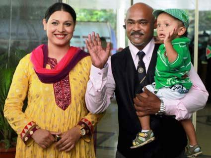 Vinod-Kambli-with-his-son
