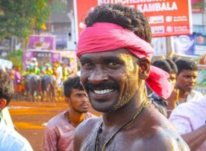 दुनिया के सबसे तेज धावक श्रीनिवास नहीं देंगे नेशनल ट्रायल, भैंसों के साथ दौड़कर तोड़ा है कंबाला खेल का रिकॉर्ड