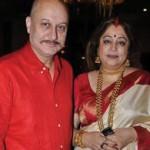 Anupam Kher Profile in hindi: अभिनय की चलती फिरती दुकान