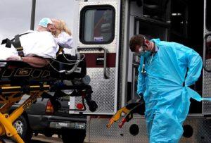 हर 15 सेंकेंड में मर रहा एक कोरोना मरीज, दुनिया के इस हिस्से में हर घंटे 247 लोगों की जान ले रहा वायरस