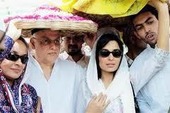 mahesh bhatt and his family
