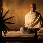 फिल्मों में महात्मा गांधी का किरदार निभाने वाले स्टार, आपकी पसंद कौन?