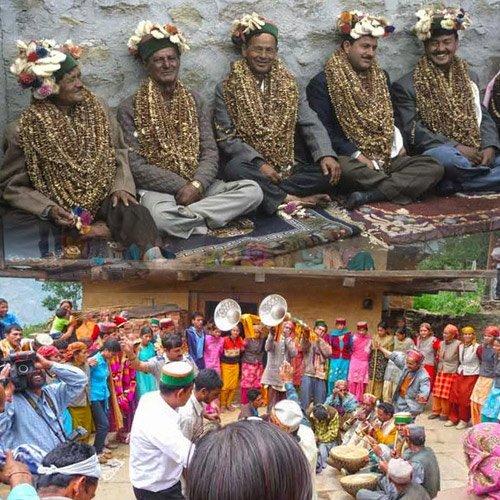 500x500xajabgajab-amazing-marriage-tradition-in-himachal-1-94112-94112-bhu-vivah-1.jpg.pagespeed.ic.f2q5NKXdH8