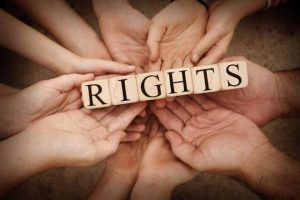 कोई नहीं छीन सकता आपसे जीवन जीने का अधिकार, जानें क्या है आपके मानव अधिकार