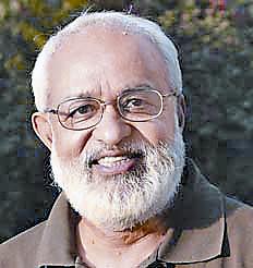 पुष्पेश पंत  प्रोफेसर, जेएनयू