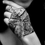 भारत में टैटू-विज्ञान का बढ़ता प्रचलन