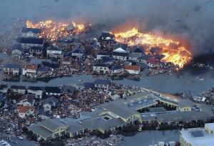 तकनीक को प्रकृति की मार : जापान में भूकंप और सुनामी