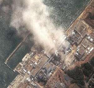 विनाश के बवंडर में फंसता जापान