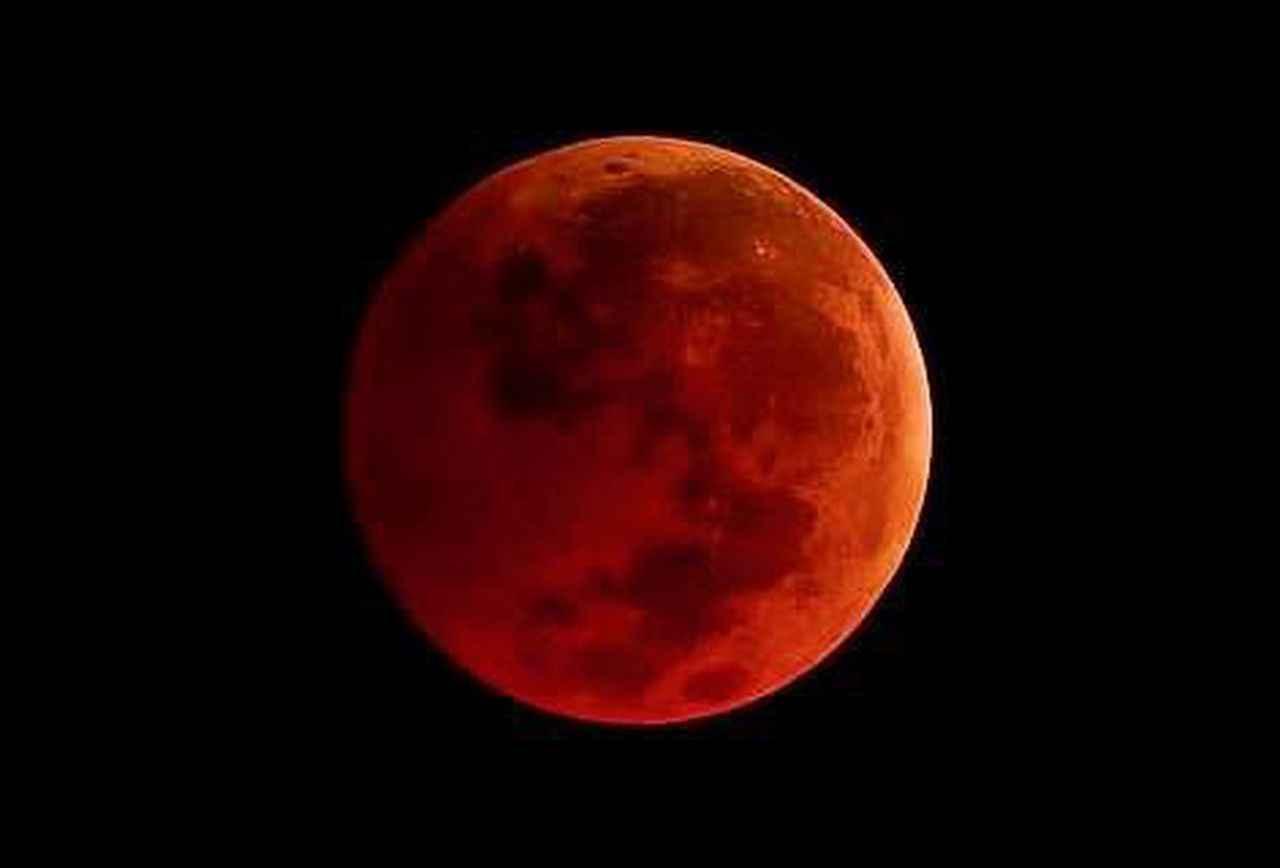blood moon1