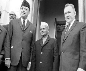 इस्तीफा जेब में लेकर क्यों चलते थे पूर्व प्रधानमंत्री लाल बहादुर शास्त्री, पाकिस्तान को घुटने टेकने पर विवश किया