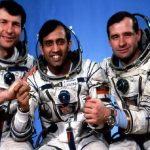 बिगड़े इलेक्ट्रिक उपकरण ठीक करने वाला बच्चा बड़ा होकर अंतरिक्ष यात्री कैसे बना, जानें राकेश शर्मा ने अंतरिक्ष से क्या कहा था