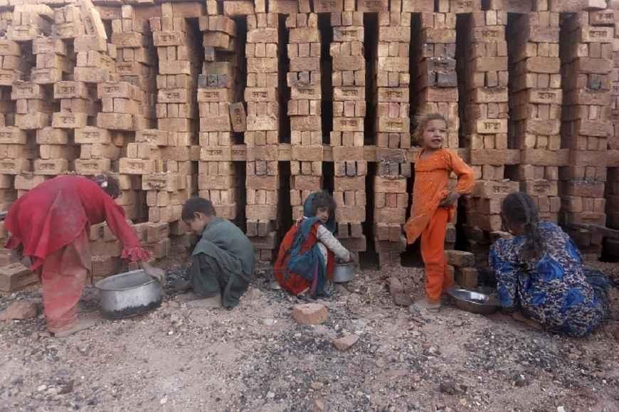4 साल में 84 लाख बच्चे बालश्रम में धकेले गए, वैश्विक स्तर पर चाइल्ड लेबर रेट बढ़ने से चिंता गहराई