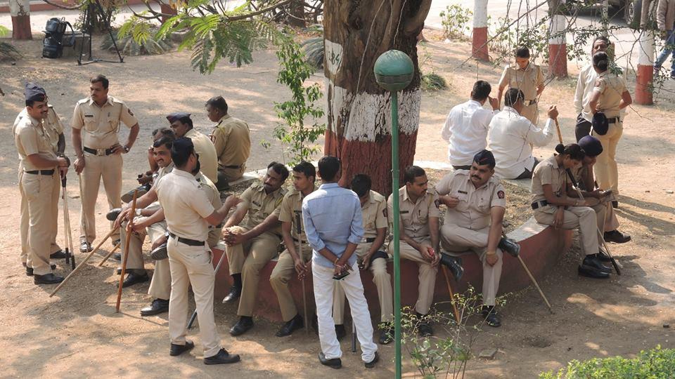 police with lathi