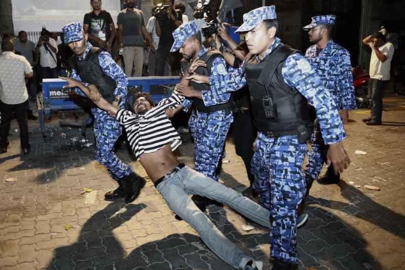 Maldives cricis