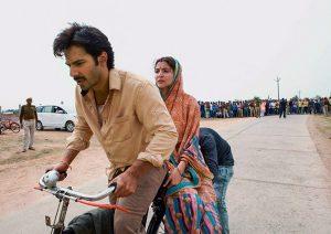 बॉलीवुड में जब साईकिल पर सवार होकर हीरो-हीरोइन ने किया रोमांस, इन फिल्मों के सीन बन गए यादगार