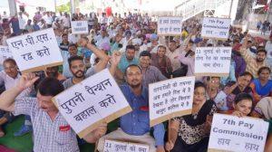 3 दिनों की हड़ताल पर भारतीय रेलवे की एम्पलॉई यूनियन, जानें आप पर क्या होगा असर?