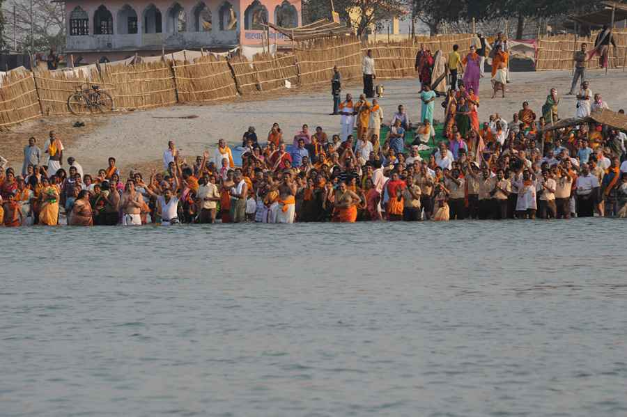 sarayu devotees