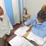 मिसाल: 10 रुपये में कोरोना मरीजों का इलाज कर रहे डॉक्टर विक्टर, सैनिकों का फ्री ट्रीटमेंट