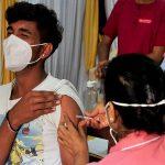 कोरोना का साप्ताहिक पॉजिटिविटी रेट 5 फीसदी गिरा, 24 घंटे में नए संक्रमितों से ज्यादा मरीज ठीक