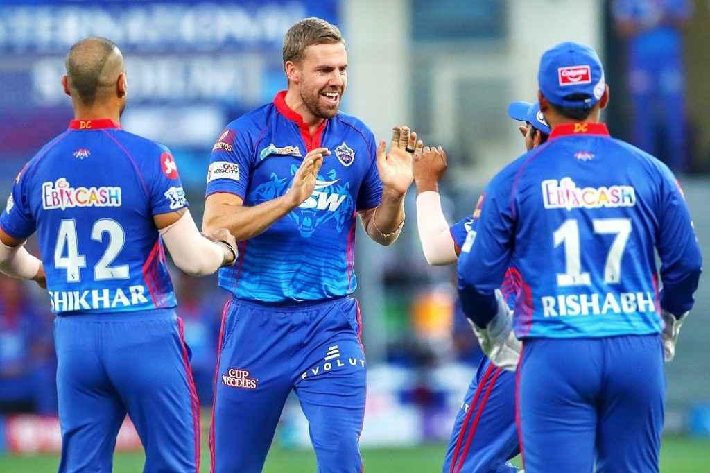 IPL 2021: दिल्ली कैपिटल्स के गेंदबाज ने फेंकी सबसे तेज गेंद, लिस्ट में भारत का युवा बॉलर भी
