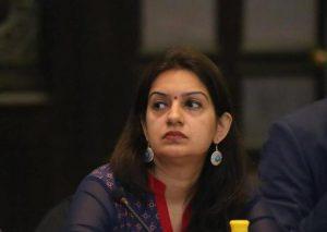 प्रियंका चतुर्वेदी ने मीडिया पीआर के तौर पर कॅरियर शुरू करके 2010 में ज्वाइन की थी कांग्रेस, जानें उनका राजनीतिक सफर