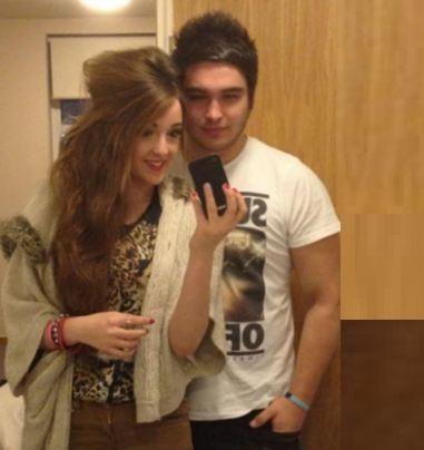लेसी अपने प्रेमी के साथ