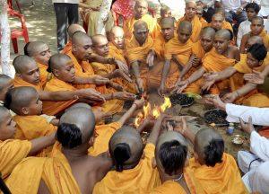 नवरात्रि में हवन के लिए जरूरी हैं यह 5 नियम, इनके पालन के बिना अधूरा रहता है अनुष्ठान