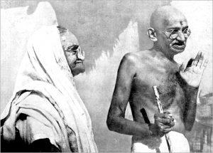 जिन चंदन की लकड़ियों को महात्मा गांधी की चिता के लिए लाए थे अंग्रेज, उनसे किया गया कस्तूरबा गांधी का अंतिम संस्कार